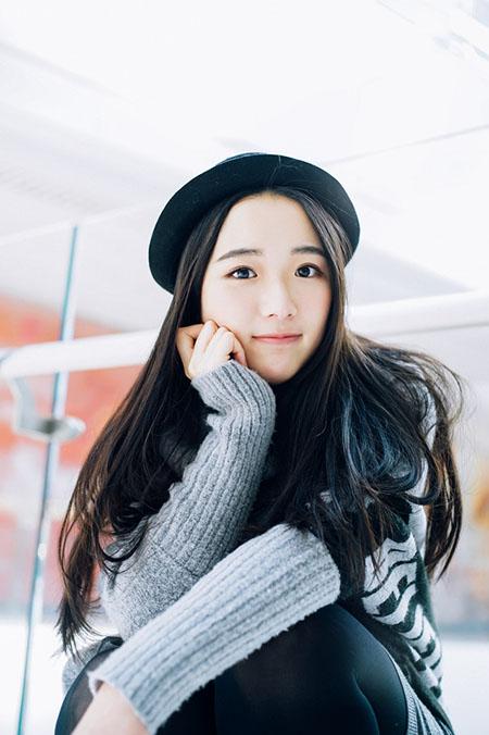 高领毛衣可爱少女甜美温暖照