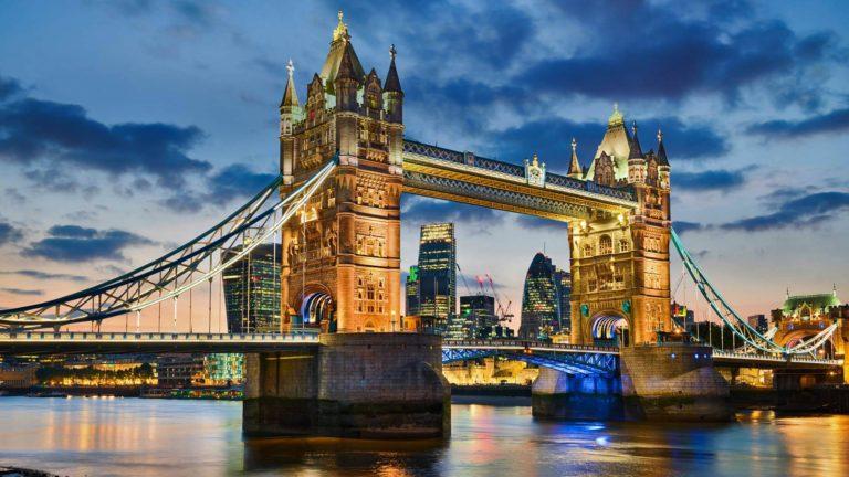 ppt模板 ppt背景图片 伦敦塔桥ppt图片素材免费下载