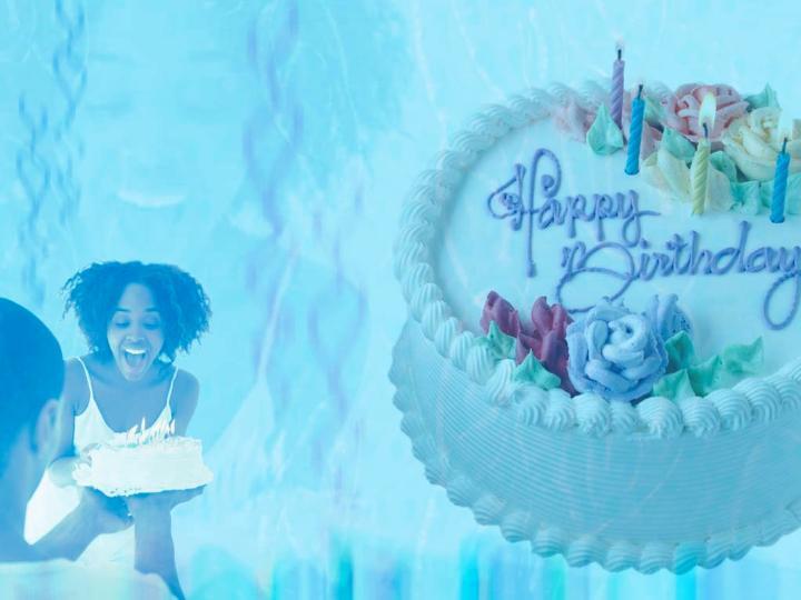 祝你生日快乐蓝色背景ppt模板